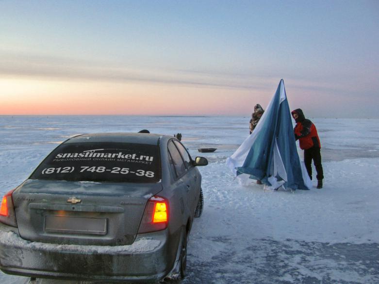 Рыбаки SnastiMarket выехали за плотвой на Ладогу