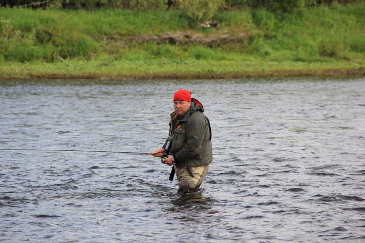 Купите забродный комбинезон для рыбалки и ваши возможности будут значительно шире.