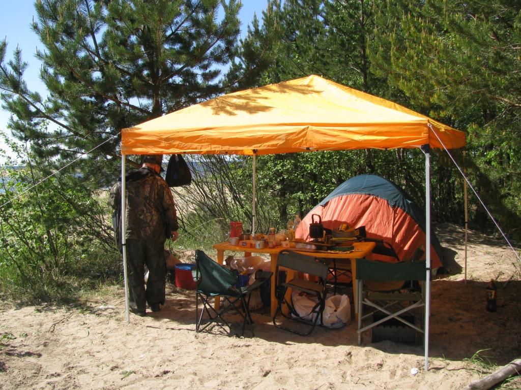 Подобрать и купить туристический шатер вы можете в нашем магазине