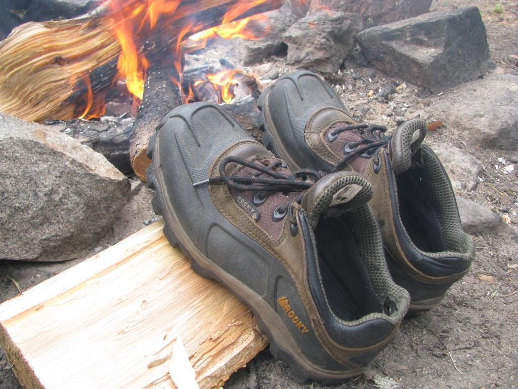 Туристические ботинки-треккинговая обувь